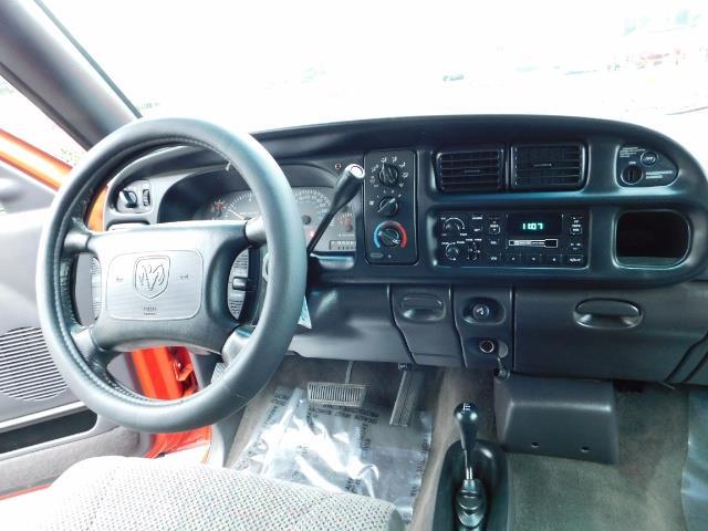 2001 Dodge Ram 2500 SLT / 4X4 / 5.9L CUMMINS DIESEL 1-OWNER LOW MILES - Photo 18 - Portland, OR 97217