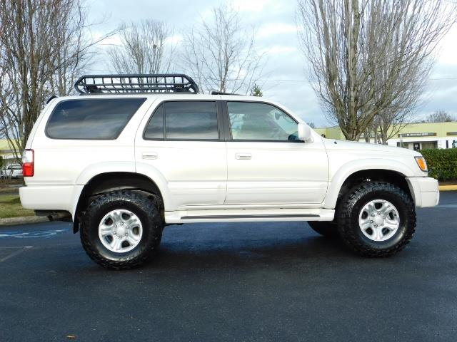 2002 Toyota 4Runner Limited 4X4 / Heated Seats / TIMING BELT / LIFTED - Photo 4 - Portland, OR 97217