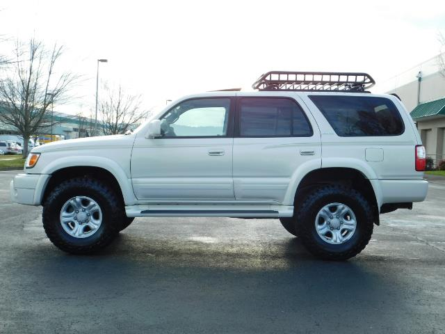 2002 Toyota 4Runner Limited 4X4 / Heated Seats / TIMING BELT / LIFTED - Photo 3 - Portland, OR 97217