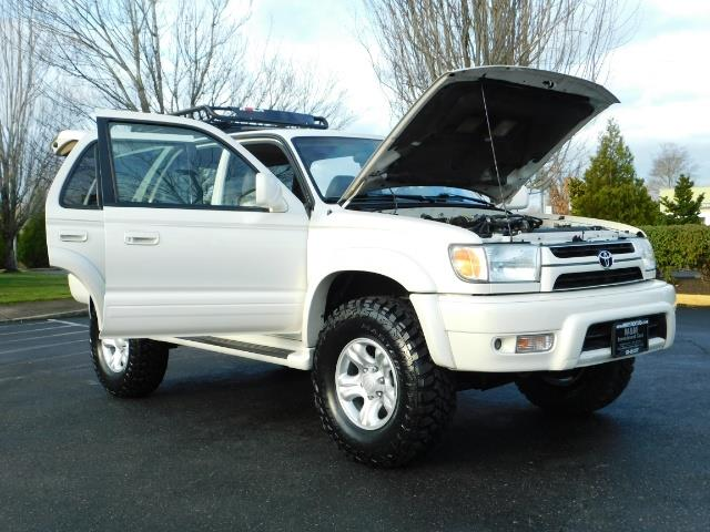2002 Toyota 4Runner Limited 4X4 / Heated Seats / TIMING BELT / LIFTED - Photo 39 - Portland, OR 97217