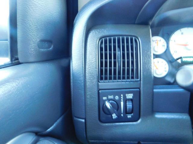 2005 Dodge Ram 3500 Laramie 4dr Quad Cab / 4X4 / 5.9L DIESEL / 6-SPEED - Photo 41 - Portland, OR 97217