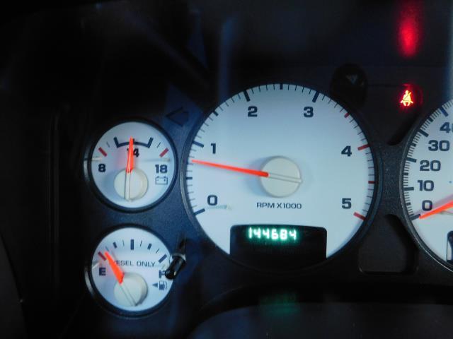 2005 Dodge Ram 3500 Laramie 4dr Quad Cab / 4X4 / 5.9L DIESEL / 6-SPEED - Photo 40 - Portland, OR 97217
