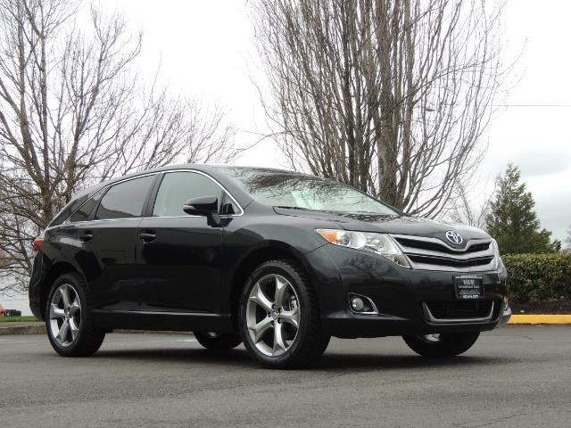 2013 Toyota Venza LE / Wagon / AWD / 1-OWNER / Excel Cond - Photo 2 - Portland, OR 97217