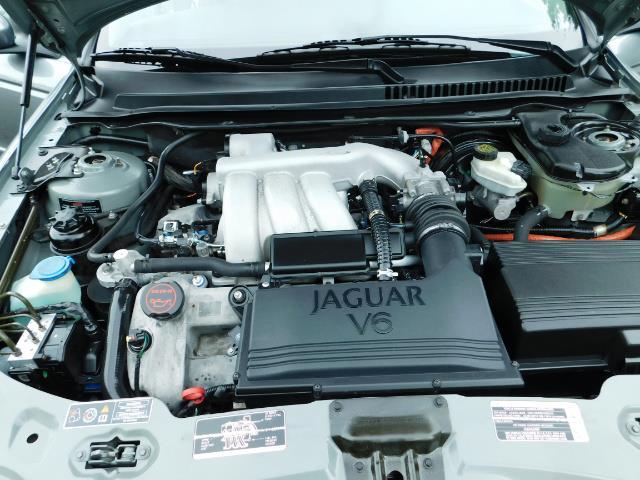 2003 Jaguar X-Type 2.5 / Sedan / AWD / Leather / Sunroof / EXCL COND - Photo 34 - Portland, OR 97217