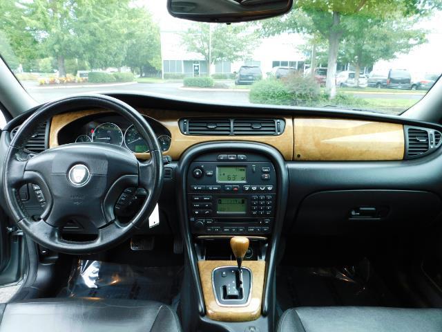 2003 Jaguar X-Type 2.5 / Sedan / AWD / Leather / Sunroof / EXCL COND - Photo 36 - Portland, OR 97217