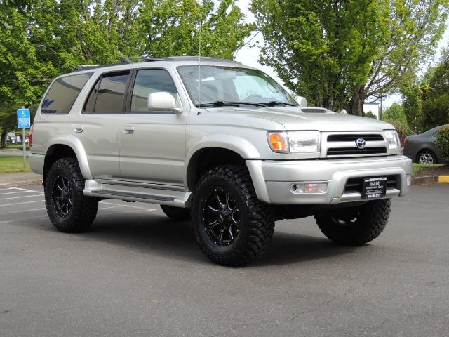 2000 Toyota 4Runner SPORT SR5 / 4X4 / Sunroof / LIFTED LIFTED - Photo 2 - Portland, OR 97217