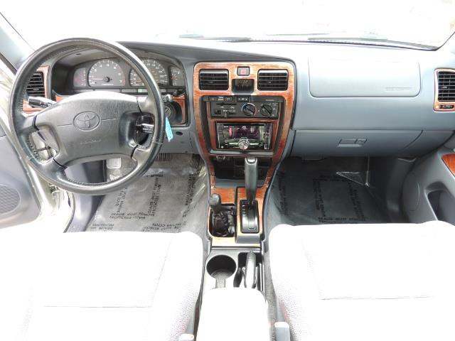 2000 Toyota 4Runner SPORT SR5 / 4X4 / Sunroof / LIFTED LIFTED - Photo 29 - Portland, OR 97217