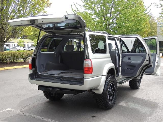 2000 Toyota 4Runner SPORT SR5 / 4X4 / Sunroof / LIFTED LIFTED - Photo 14 - Portland, OR 97217