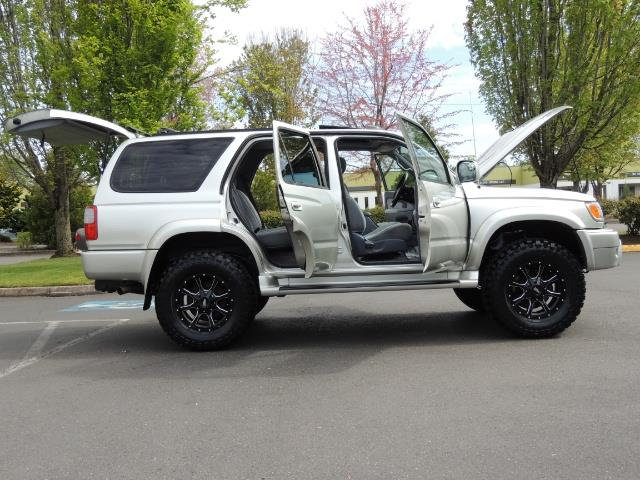2000 Toyota 4Runner SPORT SR5 / 4X4 / Sunroof / LIFTED LIFTED - Photo 12 - Portland, OR 97217