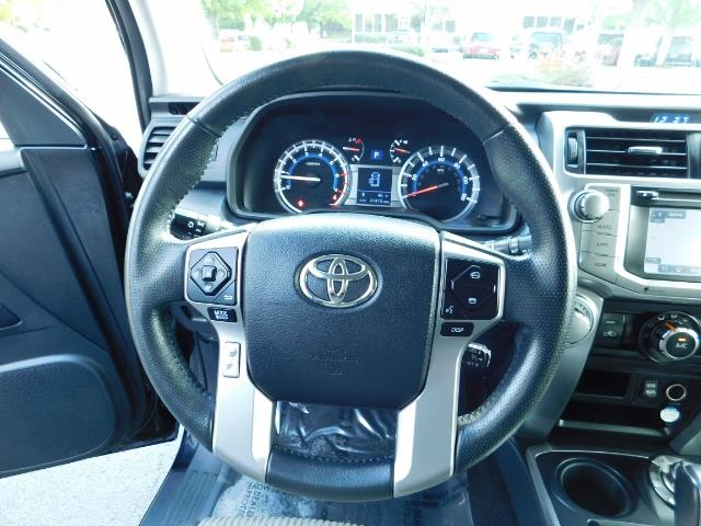 2016 Toyota 4Runner SR5 / 4WD / Navi / Backup Camera/ LIFTED LIFTED - Photo 37 - Portland, OR 97217