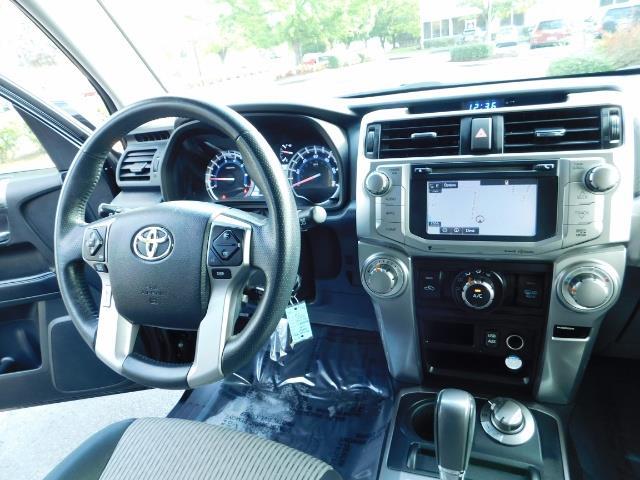 2016 Toyota 4Runner SR5 / 4WD / Navi / Backup Camera/ LIFTED LIFTED - Photo 16 - Portland, OR 97217