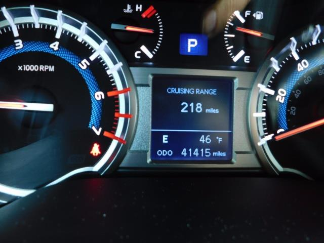 2016 Toyota 4Runner SR5 / 4WD / Navi / Backup Camera/ LIFTED LIFTED - Photo 39 - Portland, OR 97217