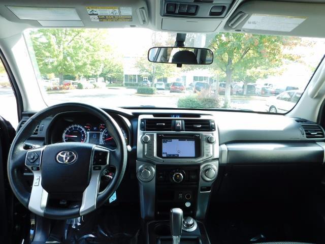 2016 Toyota 4Runner SR5 / 4WD / Navi / Backup Camera/ LIFTED LIFTED - Photo 34 - Portland, OR 97217