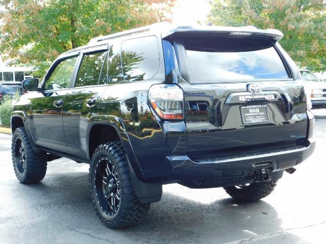 2016 Toyota 4Runner SR5 / 4WD / Navi / Backup Camera/ LIFTED LIFTED - Photo 7 - Portland, OR 97217