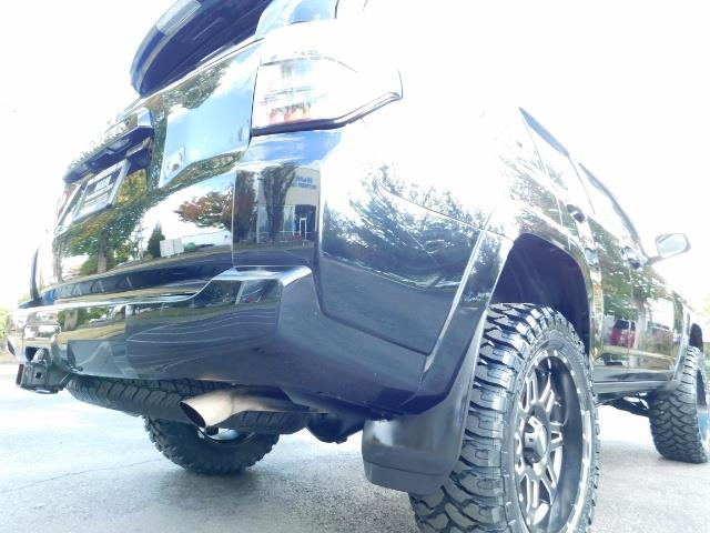 2016 Toyota 4Runner SR5 / 4WD / Navi / Backup Camera/ LIFTED LIFTED - Photo 43 - Portland, OR 97217