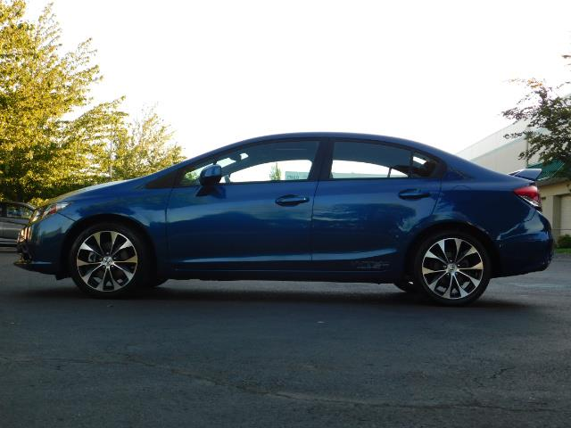 2013 Honda Civic Si / Spoiler / Sunroof / 6-SPEED MANUAL / 1-OWNER - Photo 3 - Portland, OR 97217