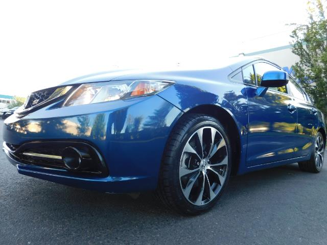 2013 Honda Civic Si / Spoiler / Sunroof / 6-SPEED MANUAL / 1-OWNER - Photo 11 - Portland, OR 97217