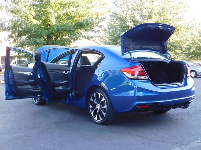 2013 Honda Civic Si / Spoiler / Sunroof / 6-SPEED MANUAL / 1-OWNER - Photo 27 - Portland, OR 97217