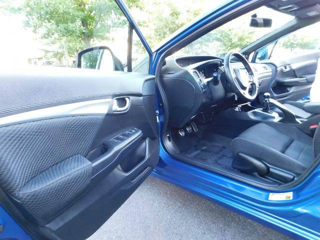 2013 Honda Civic Si / Spoiler / Sunroof / 6-SPEED MANUAL / 1-OWNER - Photo 13 - Portland, OR 97217