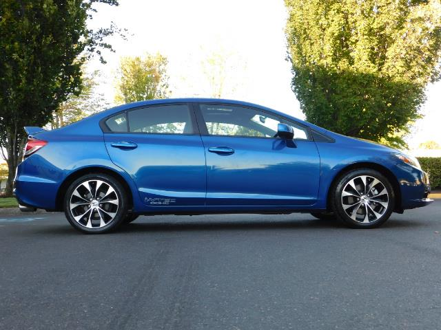 2013 Honda Civic Si / Spoiler / Sunroof / 6-SPEED MANUAL / 1-OWNER - Photo 4 - Portland, OR 97217