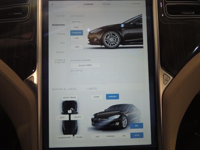 2013 Tesla Model S Signature 85kWh / Panorama Roof / Navigation / - Photo 23 - Portland, OR 97217