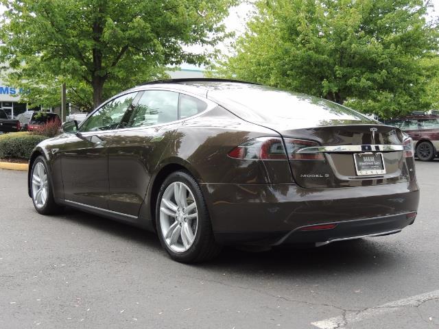 2013 Tesla Model S Signature 85kWh / Panorama Roof / Navigation / - Photo 8 - Portland, OR 97217