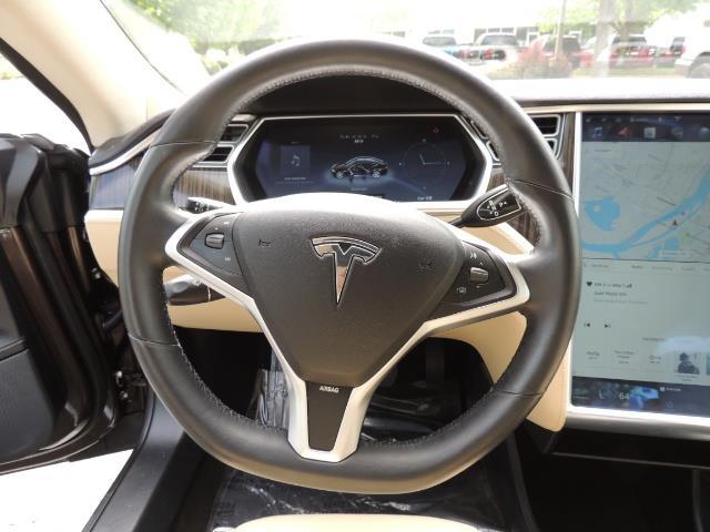 2013 Tesla Model S Signature 85kWh / Panorama Roof / Navigation / - Photo 38 - Portland, OR 97217