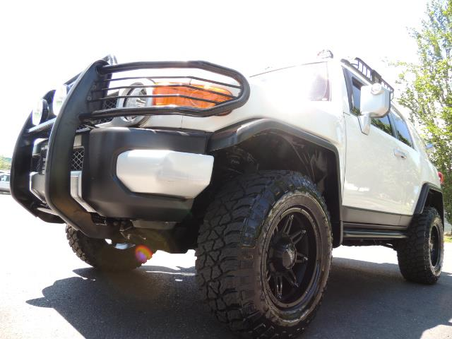 2013 Toyota FJ Cruiser 4X4 / DIFF LOCKS / LIFTED / 1-OWNER - Photo 9 - Portland, OR 97217