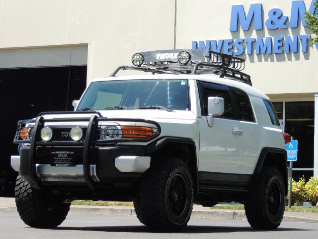 2013 Toyota FJ Cruiser 4X4 / DIFF LOCKS / LIFTED / 1-OWNER - Photo 1 - Portland, OR 97217
