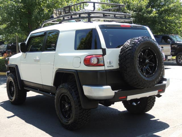 2013 Toyota FJ Cruiser 4X4 / DIFF LOCKS / LIFTED / 1-OWNER - Photo 51 - Portland, OR 97217
