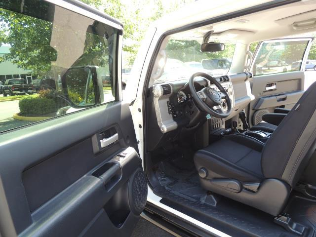 2013 Toyota FJ Cruiser 4X4 / DIFF LOCKS / LIFTED / 1-OWNER - Photo 60 - Portland, OR 97217