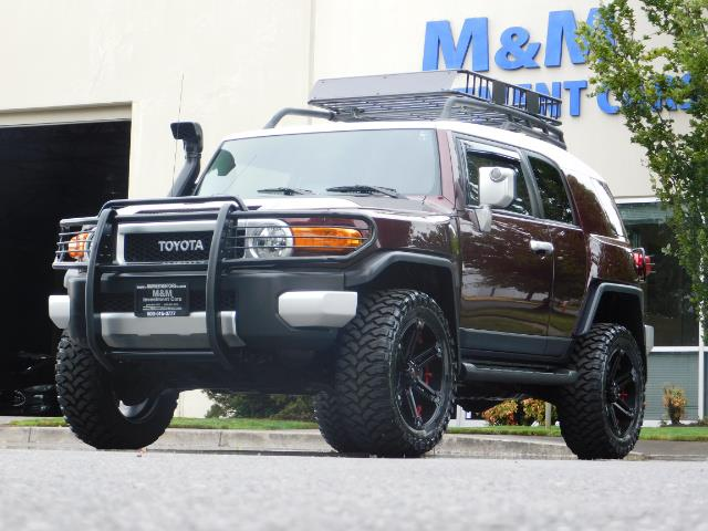 "2007 Toyota FJ Cruiser 4WD V6 DIFF LOCK 20 "" WHEELS / NAVIGATION / LIFTED - Photo 1 - Portland, OR 97217"