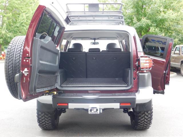 "2007 Toyota FJ Cruiser 4WD V6 DIFF LOCK 20 "" WHEELS / NAVIGATION / LIFTED - Photo 26 - Portland, OR 97217"