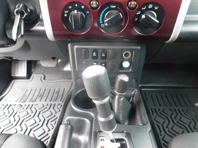 "2007 Toyota FJ Cruiser 4WD V6 DIFF LOCK 20 "" WHEELS / NAVIGATION / LIFTED - Photo 18 - Portland, OR 97217"