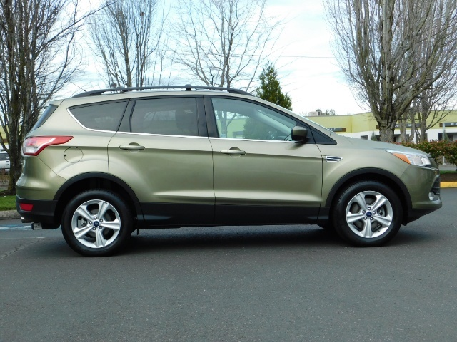 2013 Ford Escape SE / 2.0Liter 4Cyl / AWD / Panoramic Sunroof - Photo 4 - Portland, OR 97217