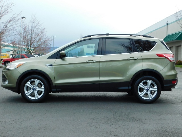 2013 Ford Escape SE / 2.0Liter 4Cyl / AWD / Panoramic Sunroof - Photo 3 - Portland, OR 97217