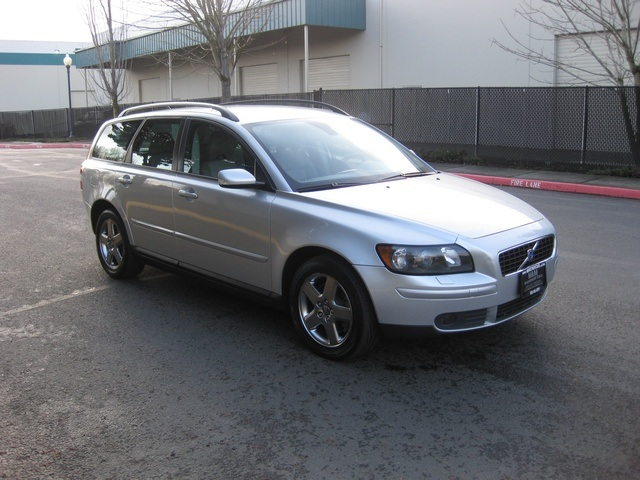2005 volvo v50 t5 sport wagon awd turbo records low. Black Bedroom Furniture Sets. Home Design Ideas