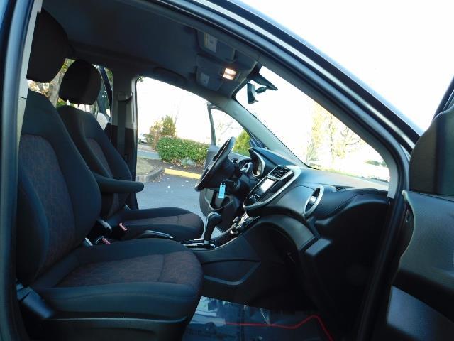 2017 Chevrolet Sonic LT Hatchback RS Pkg / BackUp CAM / FULL  WARRANTY - Photo 18 - Portland, OR 97217