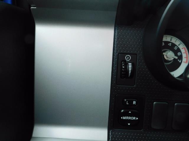 2007 Toyota FJ Cruiser 4WD V6 4.0L / DIFF LOCK / MOON ROOF / LIFTED !! - Photo 39 - Portland, OR 97217
