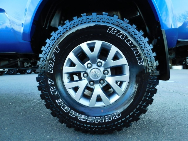 """2016 Toyota Tacoma Double Cab 4WD 1-Owner LIFTED 33 """"MUD FactroyWarnty - Photo 45 - Portland, OR 97217"""