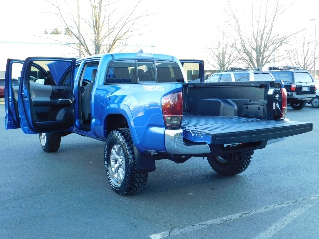 """2016 Toyota Tacoma Double Cab 4WD 1-Owner LIFTED 33 """"MUD FactroyWarnty - Photo 28 - Portland, OR 97217"""