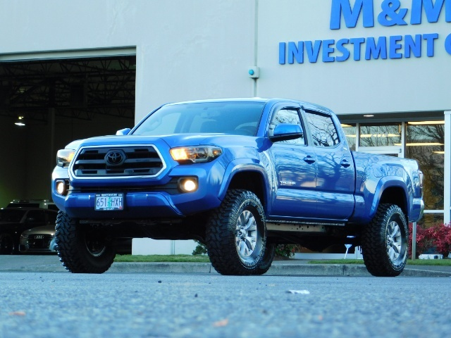 """2016 Toyota Tacoma Double Cab 4WD 1-Owner LIFTED 33 """"MUD FactroyWarnty - Photo 47 - Portland, OR 97217"""