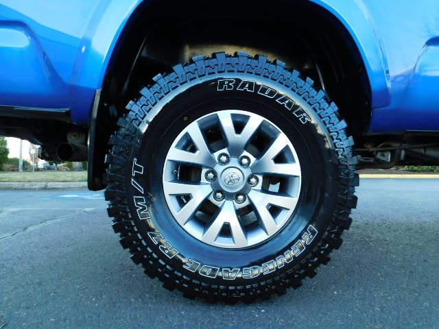 """2016 Toyota Tacoma Double Cab 4WD 1-Owner LIFTED 33 """"MUD FactroyWarnty - Photo 46 - Portland, OR 97217"""