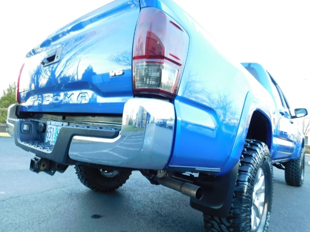 """2016 Toyota Tacoma Double Cab 4WD 1-Owner LIFTED 33 """"MUD FactroyWarnty - Photo 27 - Portland, OR 97217"""