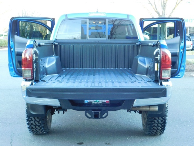 """2016 Toyota Tacoma Double Cab 4WD 1-Owner LIFTED 33 """"MUD FactroyWarnty - Photo 11 - Portland, OR 97217"""