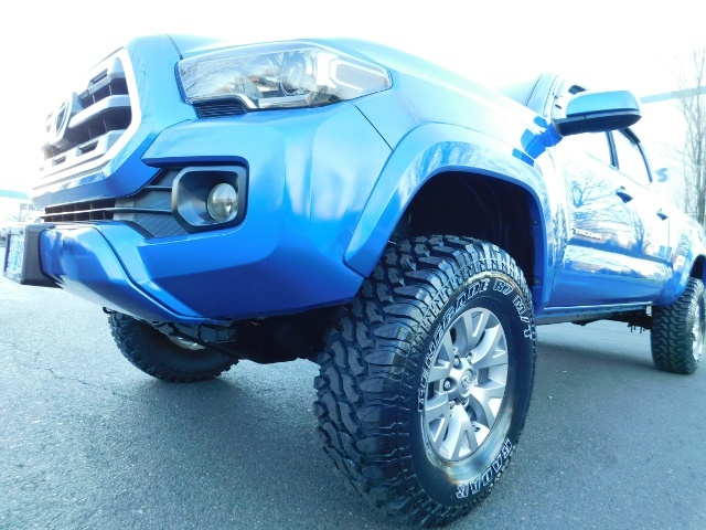 """2016 Toyota Tacoma Double Cab 4WD 1-Owner LIFTED 33 """"MUD FactroyWarnty - Photo 23 - Portland, OR 97217"""