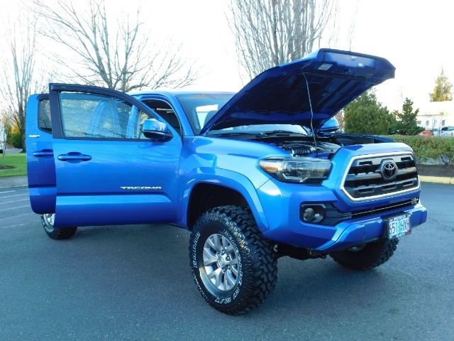"""2016 Toyota Tacoma Double Cab 4WD 1-Owner LIFTED 33 """"MUD FactroyWarnty - Photo 31 - Portland, OR 97217"""