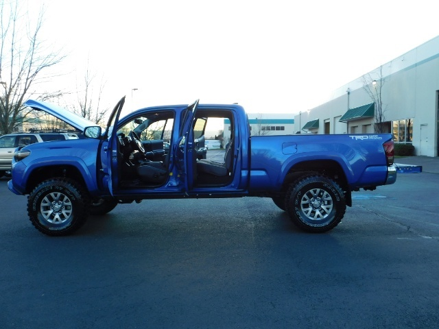 """2016 Toyota Tacoma Double Cab 4WD 1-Owner LIFTED 33 """"MUD FactroyWarnty - Photo 10 - Portland, OR 97217"""