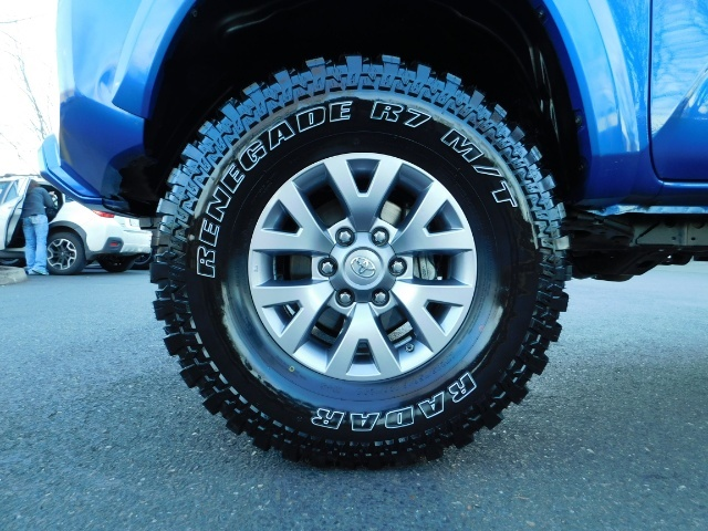 """2016 Toyota Tacoma Double Cab 4WD 1-Owner LIFTED 33 """"MUD FactroyWarnty - Photo 25 - Portland, OR 97217"""