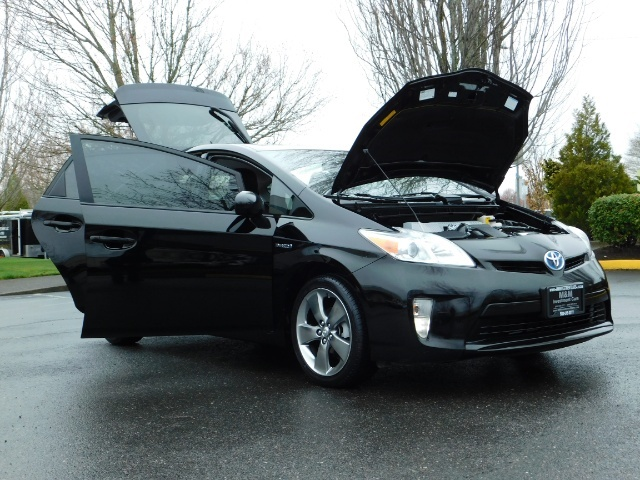 2013 Toyota Prius Persona Series SE / Leather / Navigation / Excel C - Photo 31 - Portland, OR 97217